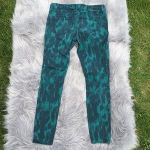 Express Stella Abstract Green Print Skinny Jeans 8